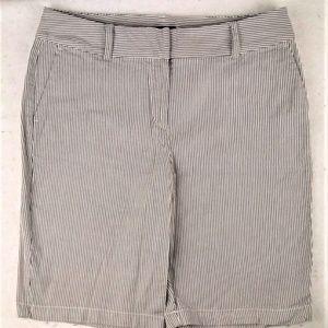 ANN TAYLOR gray white stripe seersucker shorts #8